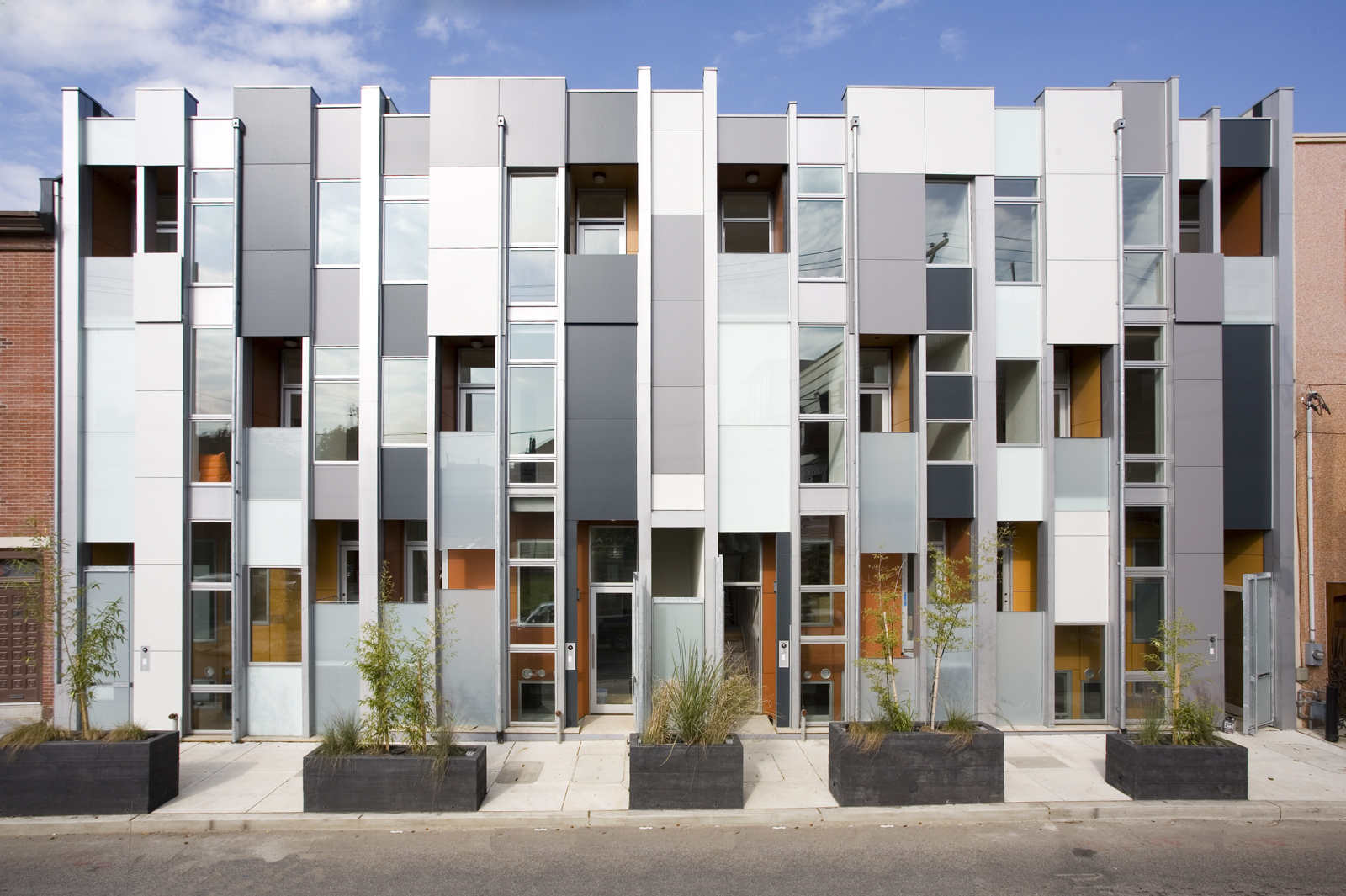 "Project: Thin Flats<p></p>Location: Philadelphia, Pennsylvania<p></p>Developer: Onion Flats<p></p>2010 ULI Award for Excellence: The Americas nomination: ""Certified LEED for Homes Platinum, Thin Flats is an eight-unit infill development in north Philadelp"