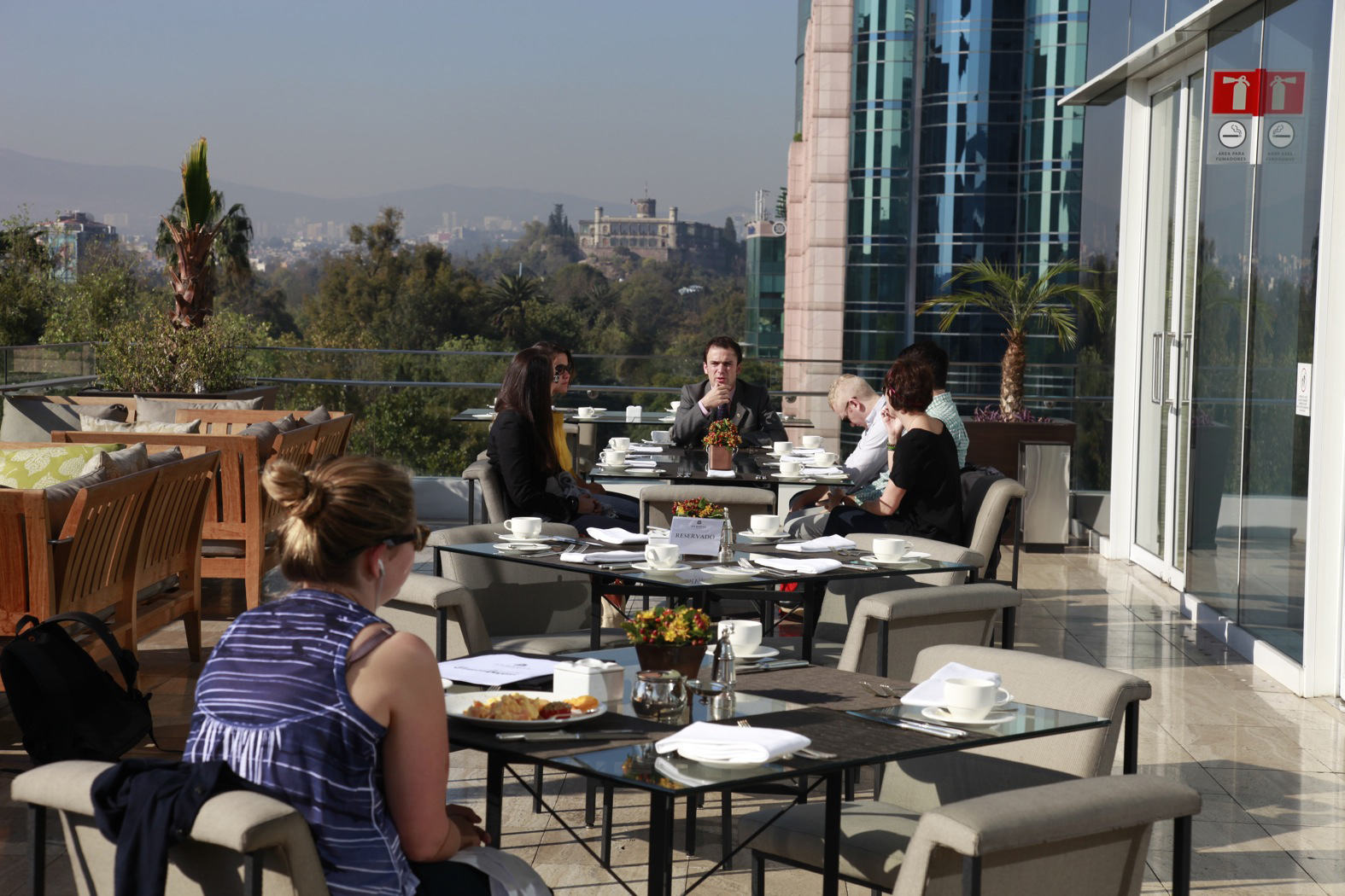 We had breakfast at the St. Regis Hotel, designs by Cesar Pelli, on one of Mexico City's main drags, Paseo de Reforma. From the St. Regis terrace you have a great view to the west of Chapultepec Park as well as Chapultepec Castle. To the east you can see