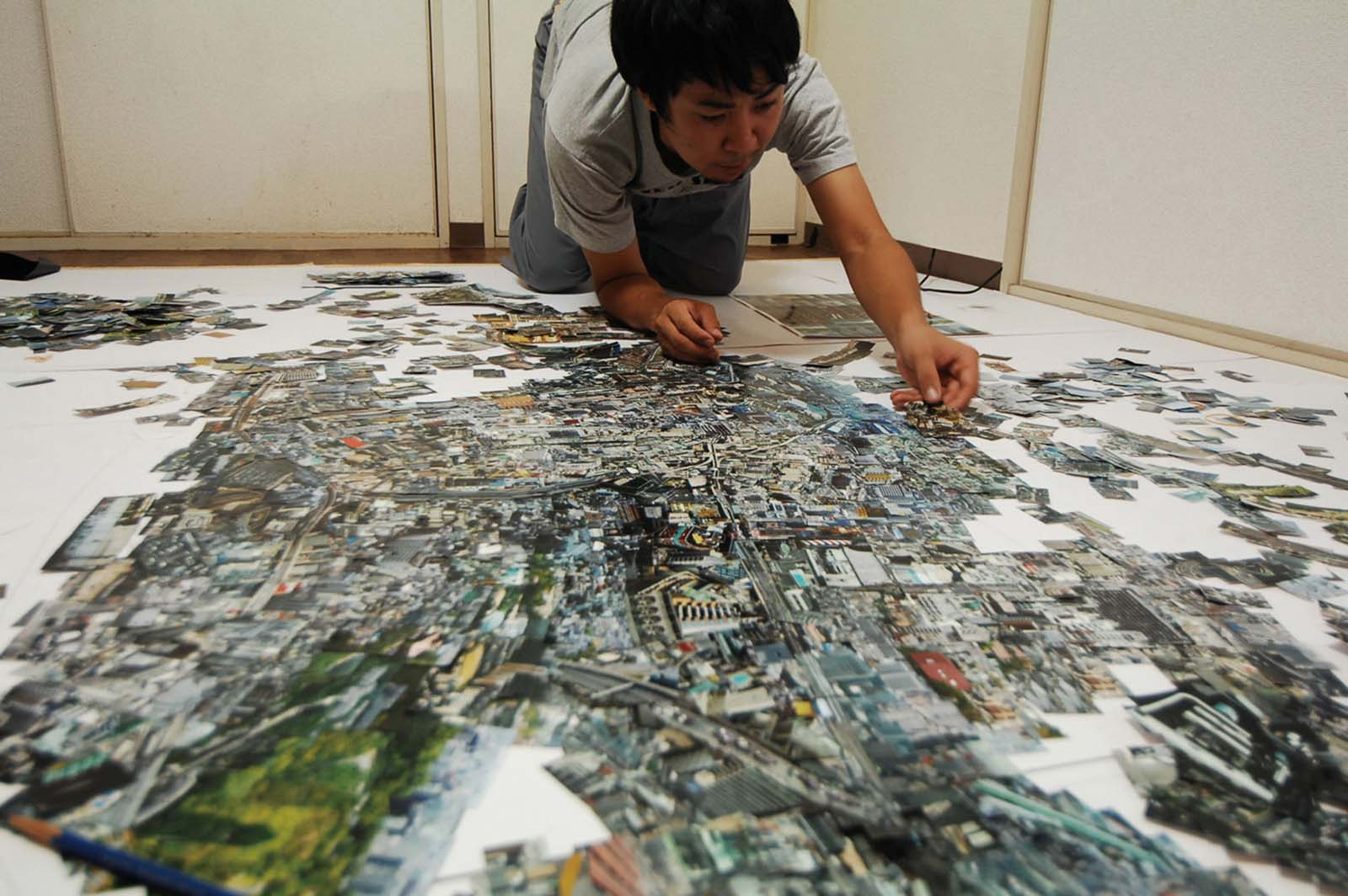 With little more than scissors and glue, Nishino pieces together thousands of personally photographed prints in an effort to re-experience a city.<br /><br /><i>Diorama Map i-Land</i>, 2007/2008, Light jet print on, Kodak Endura paper, 170 x 250 cm, © Soh