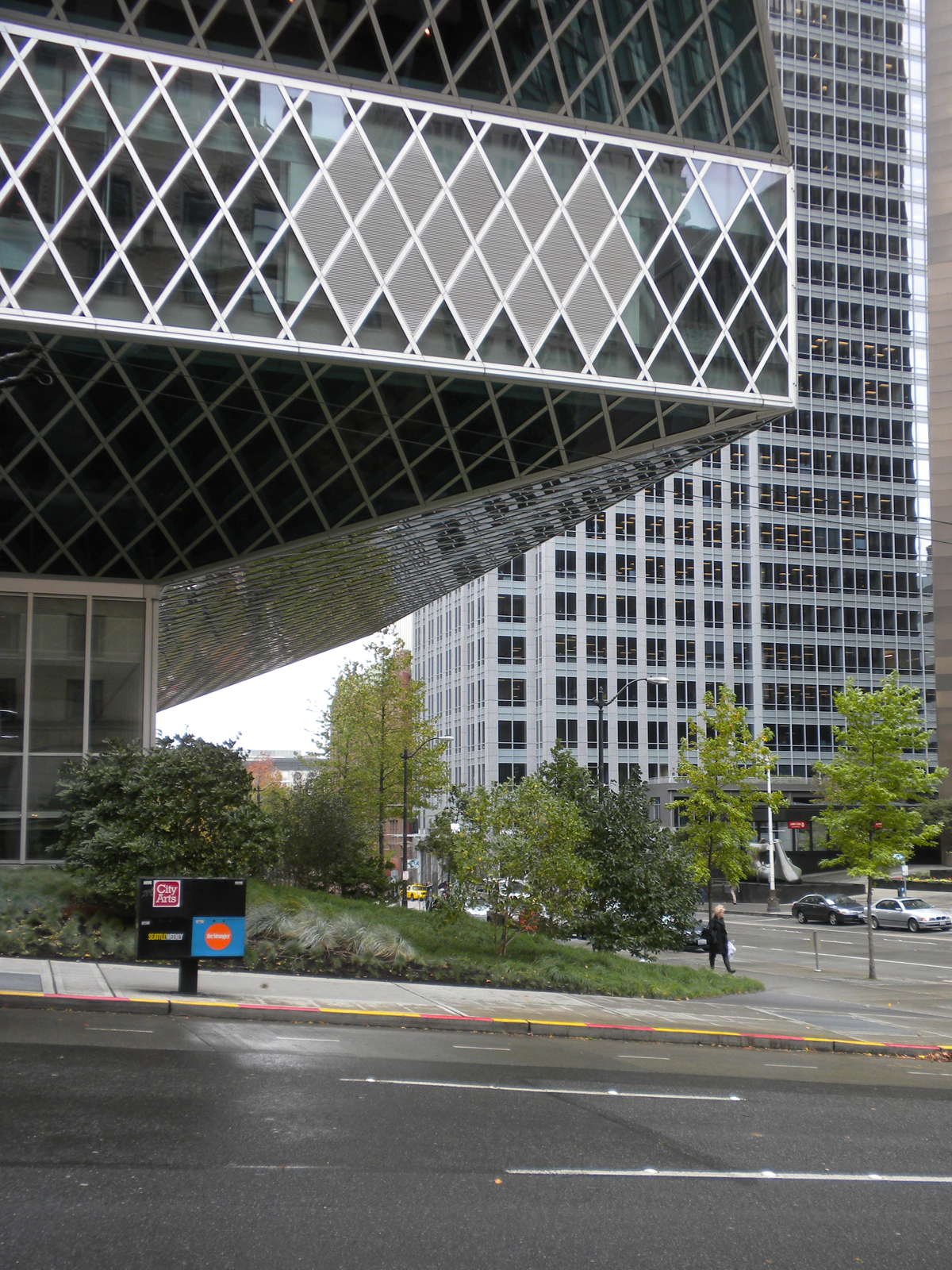 "My first stop after lunch was the <a href=""http://www.spl.org/default.asp?pageID=branch_central_building_factsheet&branchID=1"">Seattle Public Library's Central Library</a>, designed by <a href=""http://www.oma.nl/"">OMA</a> with local design firm <a href=""h"