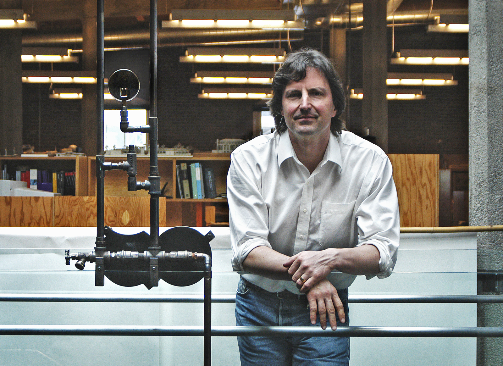 Recognized for his seamless integration of architecture and landscape, Kundig's projects are unique in their meticulous attention to detail and in the materials used, which are often left in their natural, raw state. His igenuity is evident in the experie