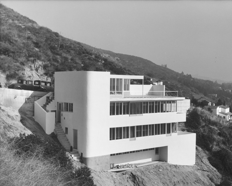 Shulman's 1936 photographs of Richard Neutra's Kun house launched his career. Brought to the house by one of the architect's assistants, Shulman, then merely a photography and architecture buff, brought along his Kodak Vest Pocket 127-format camera and sh