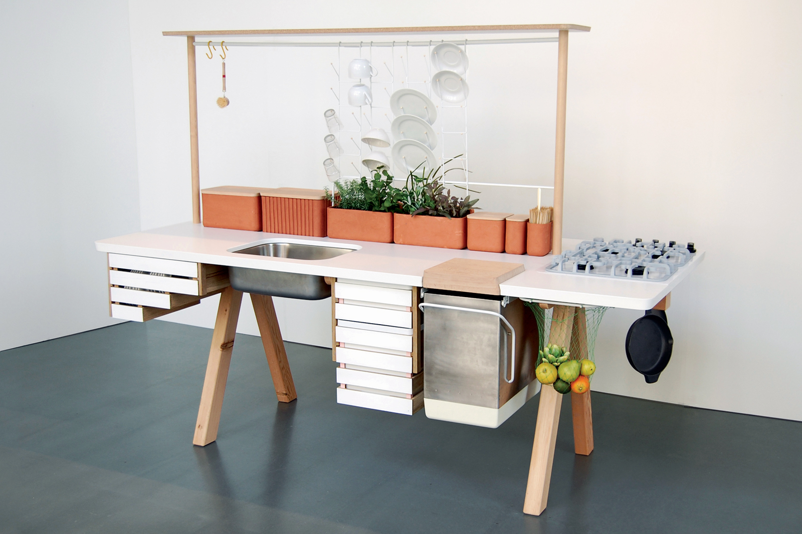 Flow 2 portable kitchen by Studio Gorm