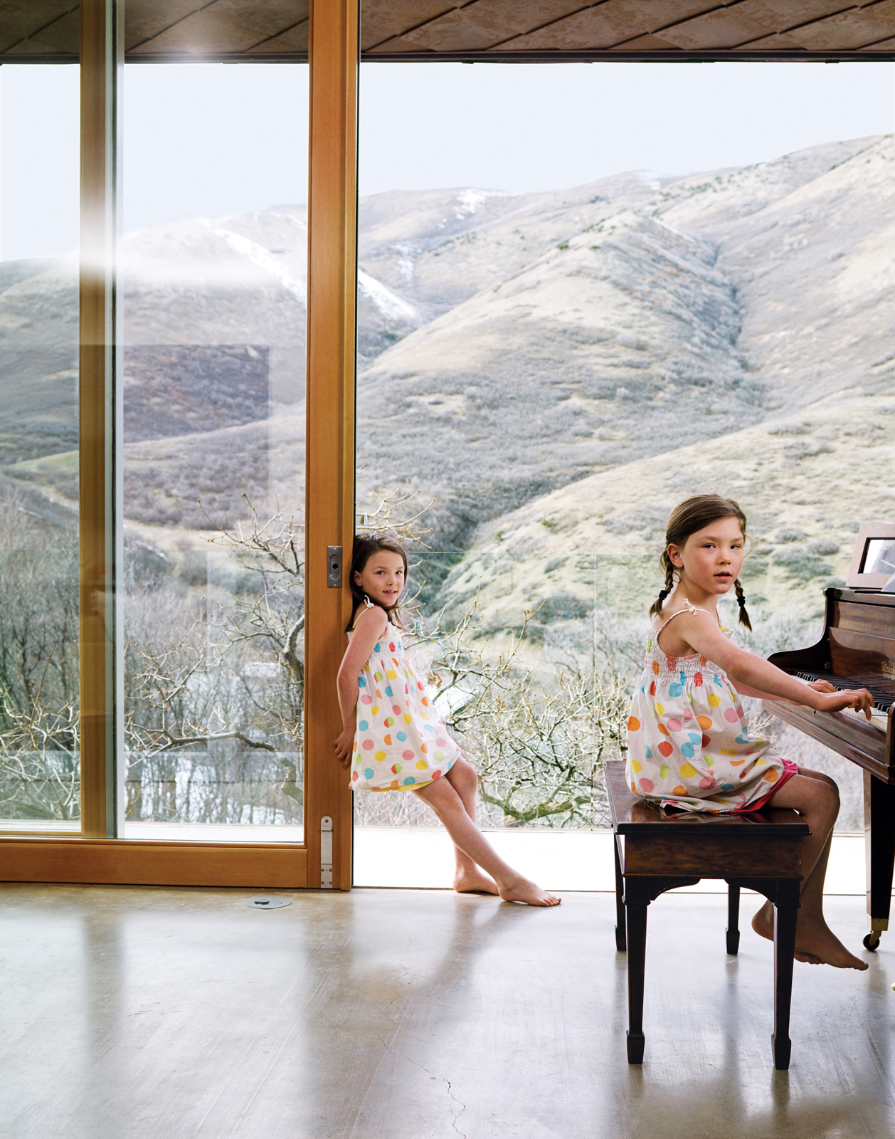 In warm weather, the family slides open the doors to draw in cool canyon breezes.
