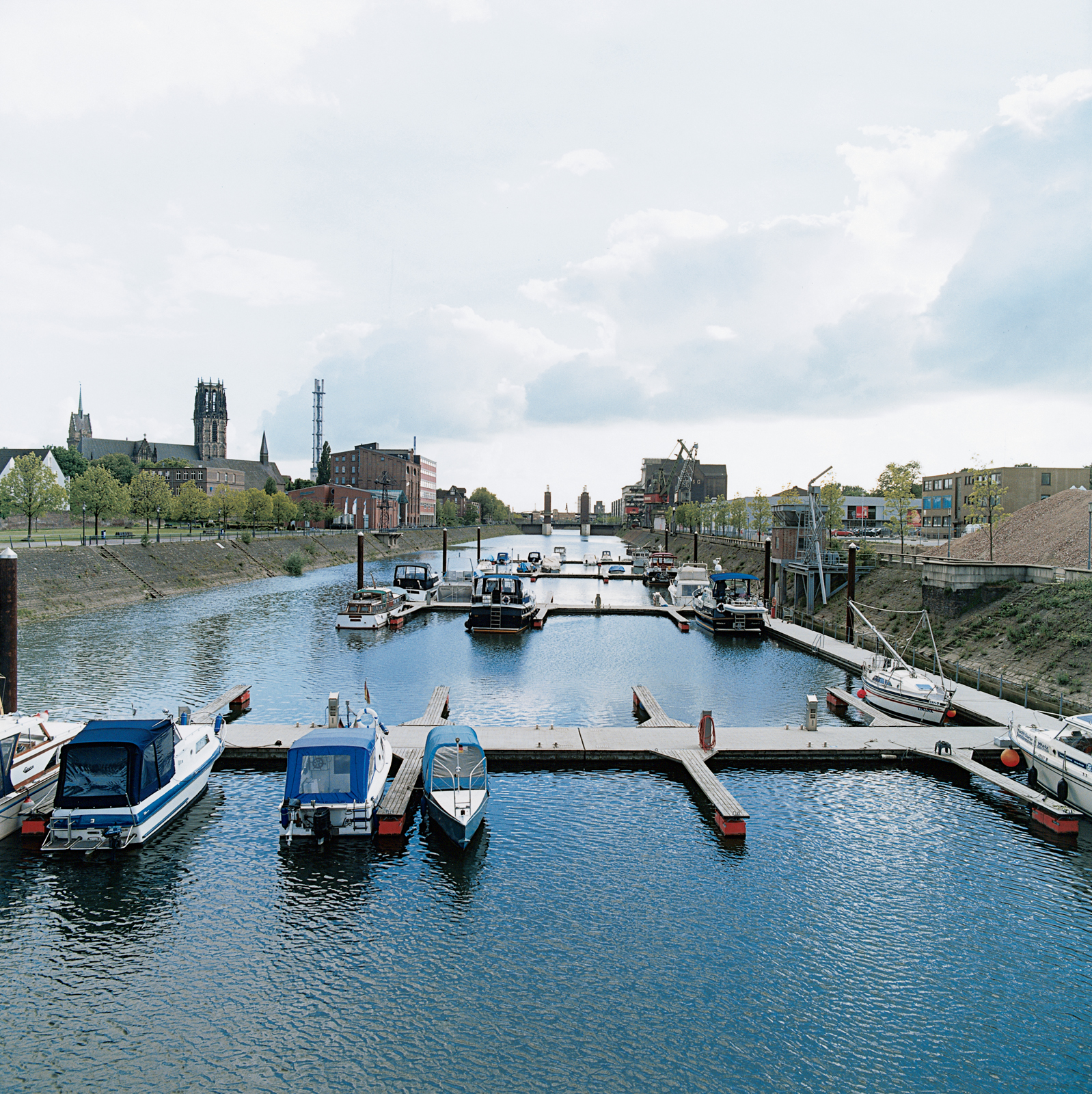 """""""We addressed the need to reconnect the inner city with the water's edge,"""" says Foster. Accordingly, the Steiger Schwanentor jetty was the first project completed. The pontoon-and-ram system provides mooring facilities for sightseeing boats."""
