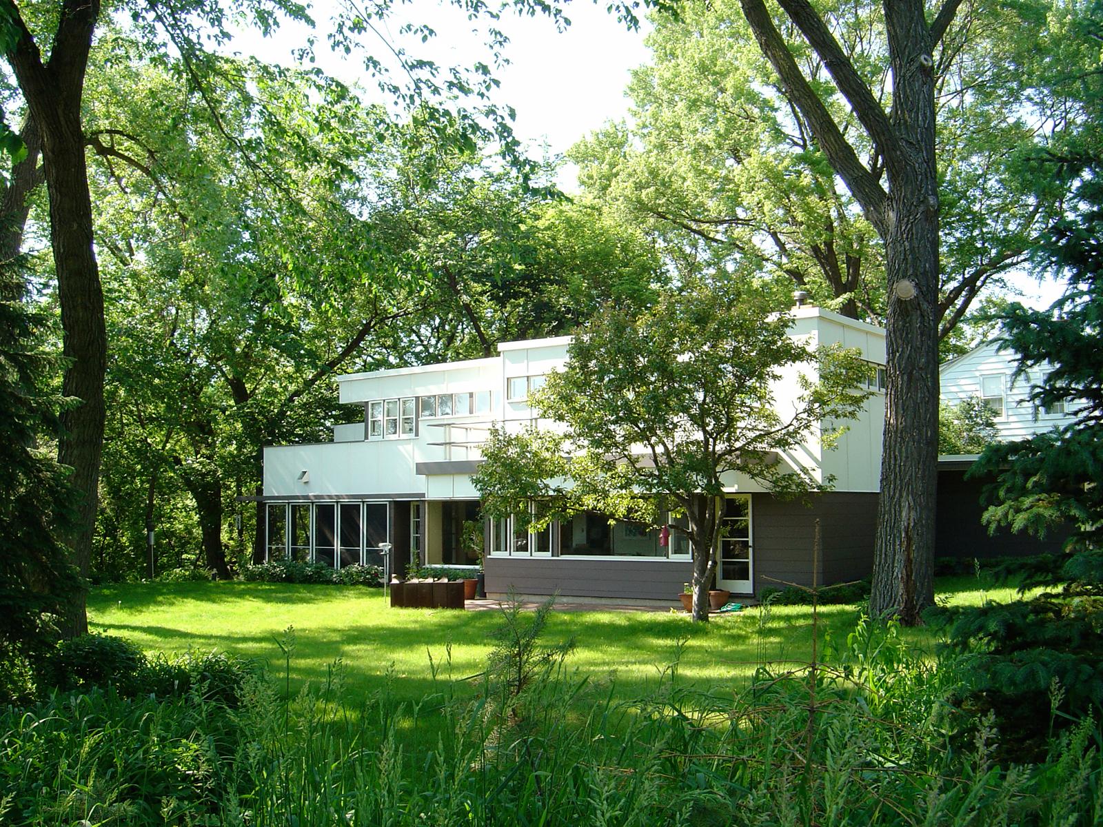 Modern house designed by Close Associates