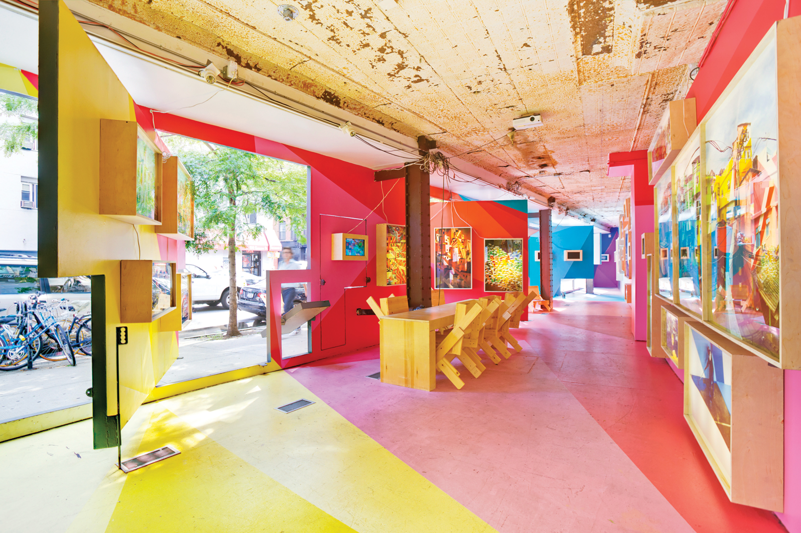 Colorful New York gallery