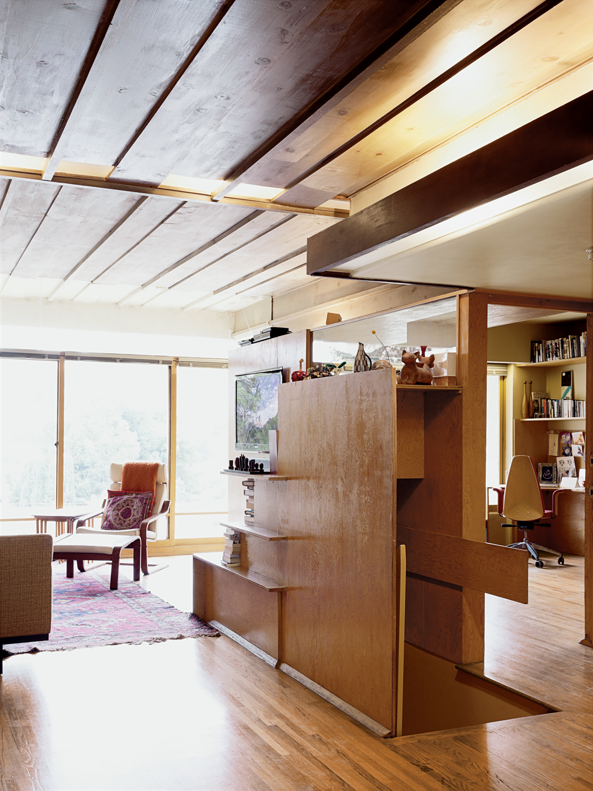 Modern renovation living room Bubeshko Apartments