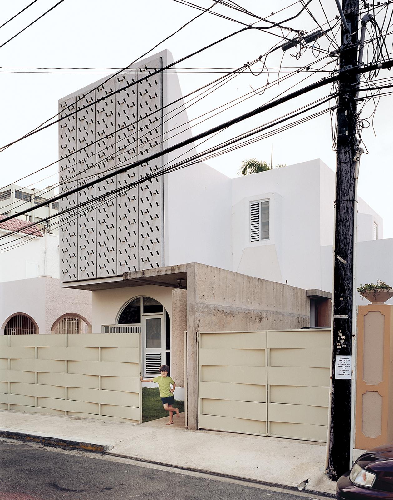Casa Delpin concrete panels white facade