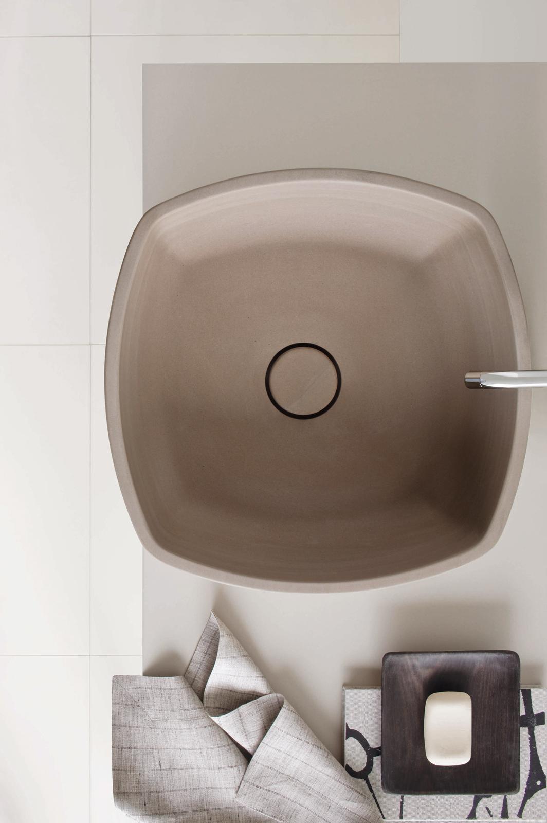 Inkstone wash-basin in Sand Brown stone.