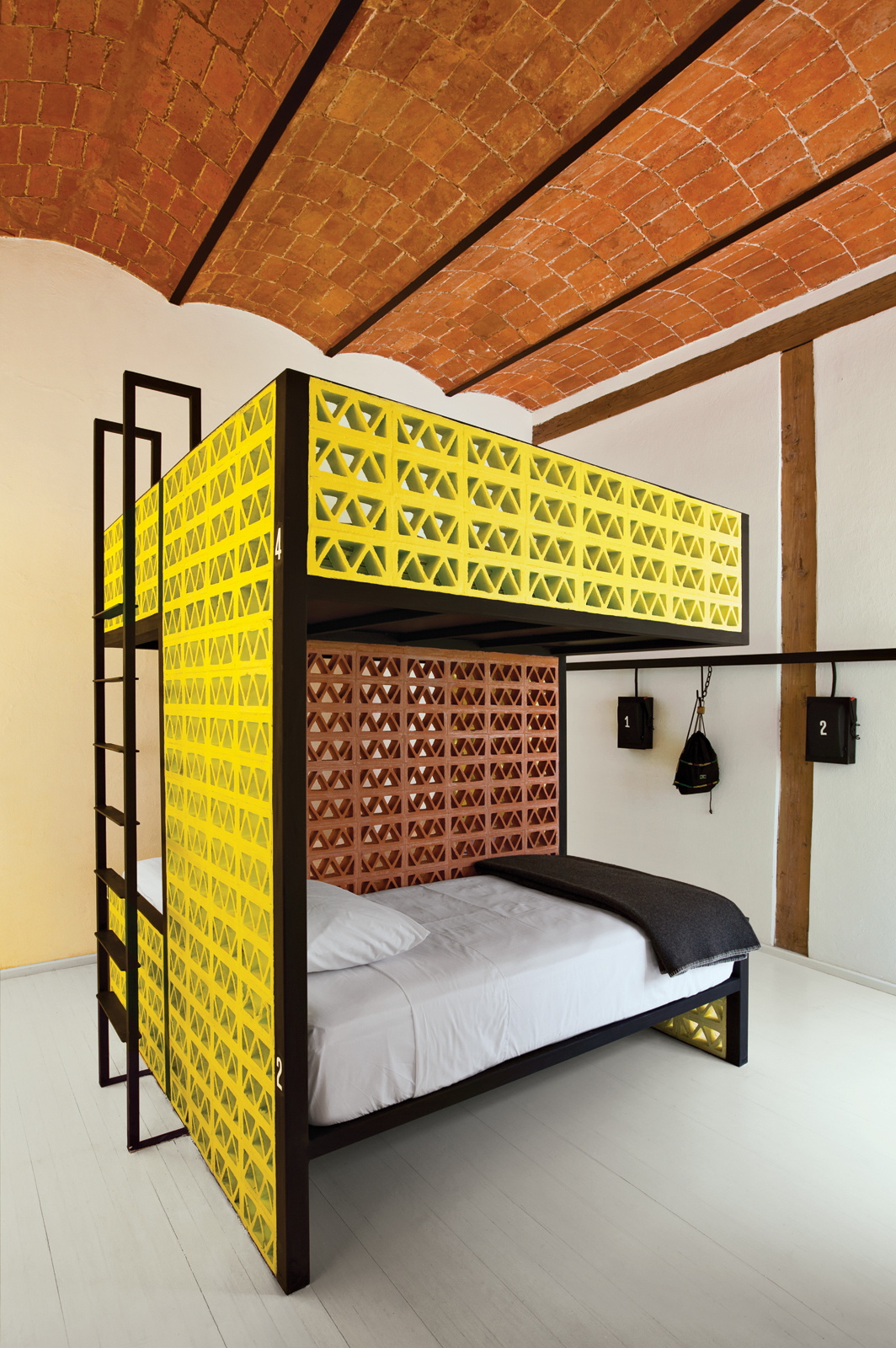 hostel mexico city bunk beds small spaces