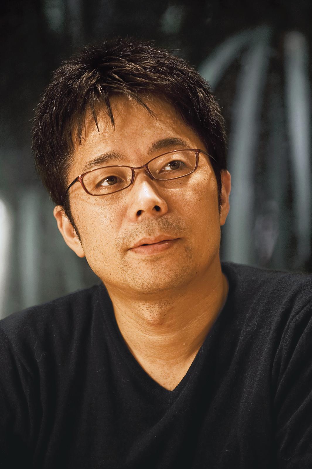 Tokujin Yoshioka portrait by Masahiro Okamura