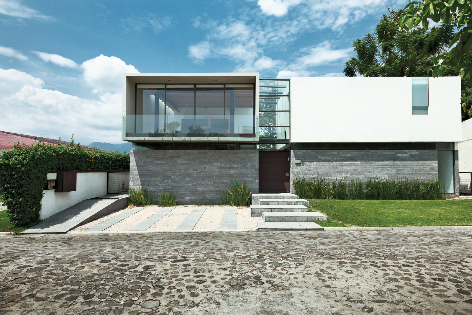 Modern small box home in Mexico