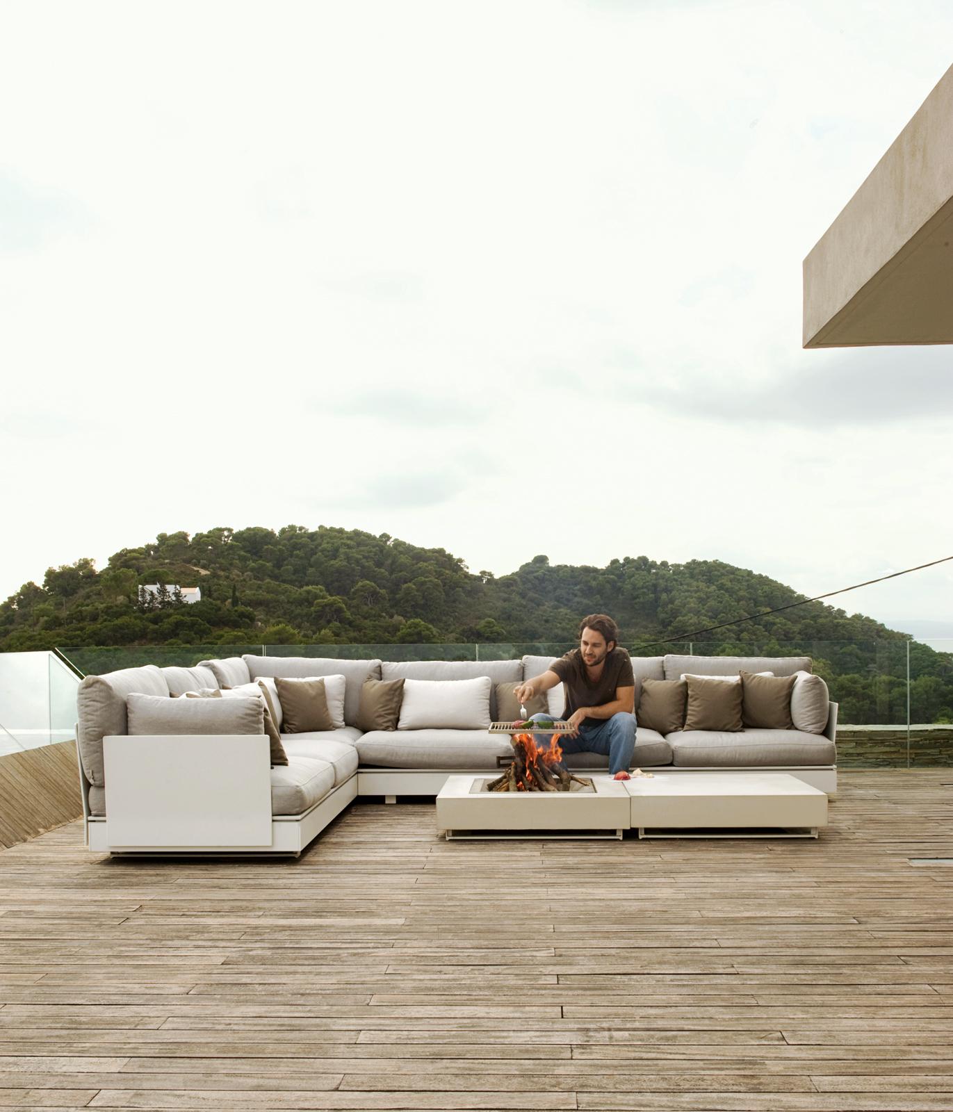 plane house greece deck