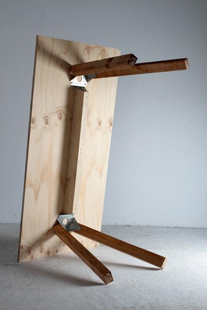 claret table piece