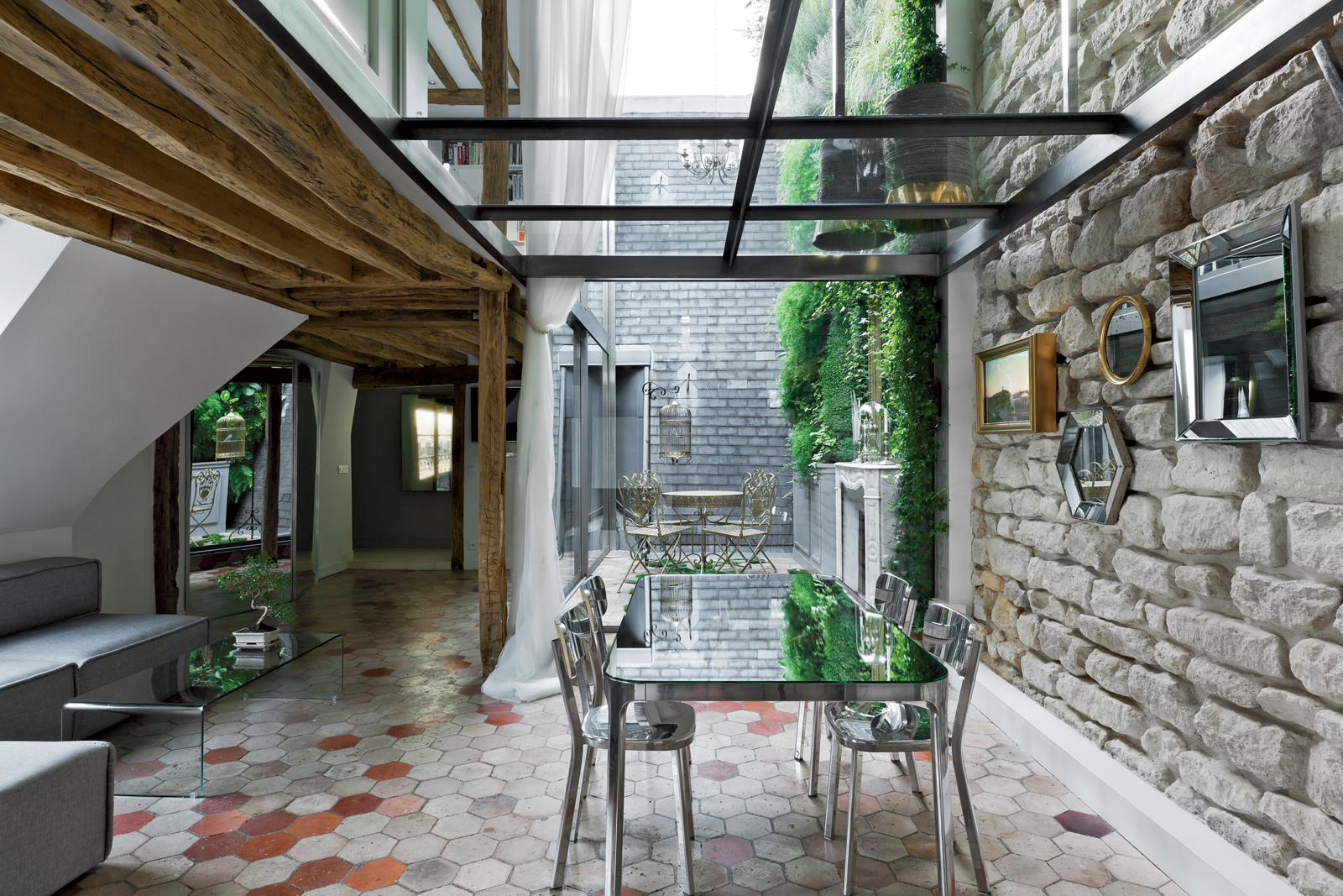 rue vignon dining room horizontal 2