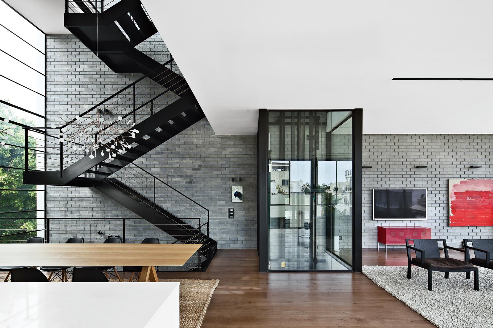 Tel Aviv modern house stairs