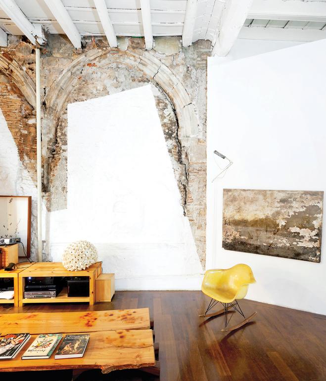 tagliabue house living room concrete walls