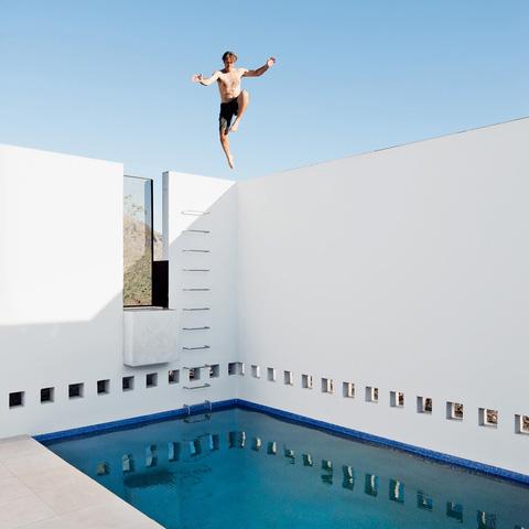 dialogue house pool