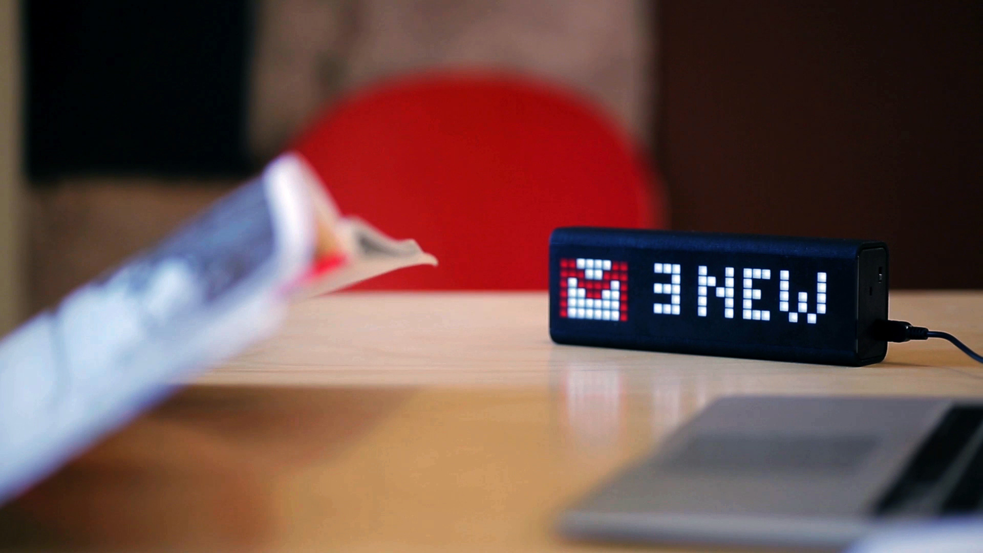 LaMetric notification center display email