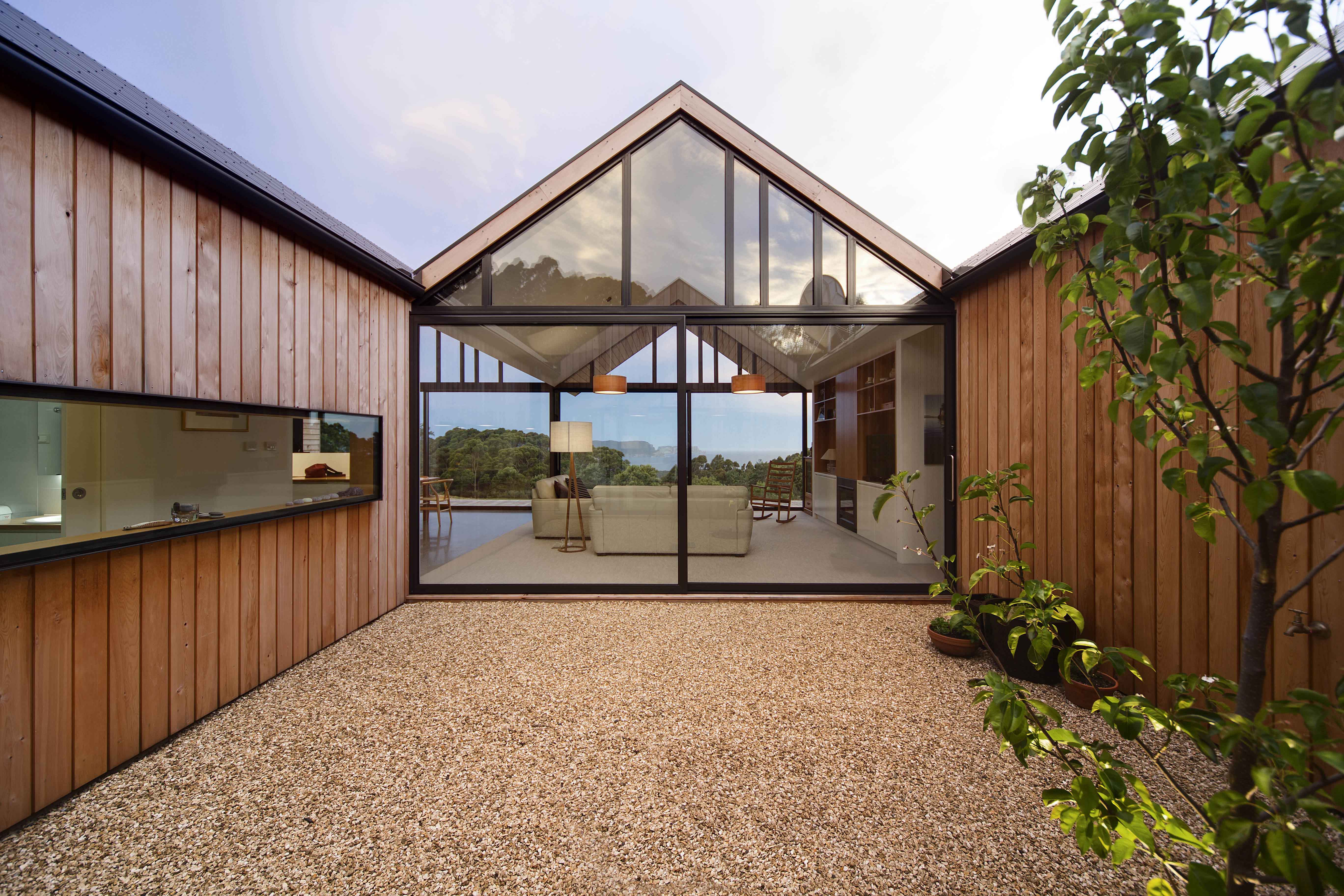 Lookout House Courtyard in Tasmania