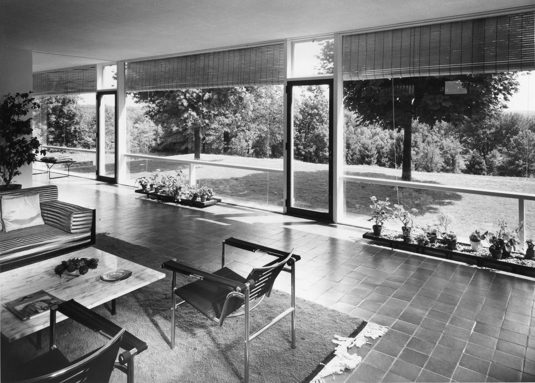 Edward Larrabee Barnes home in Westchester, New York