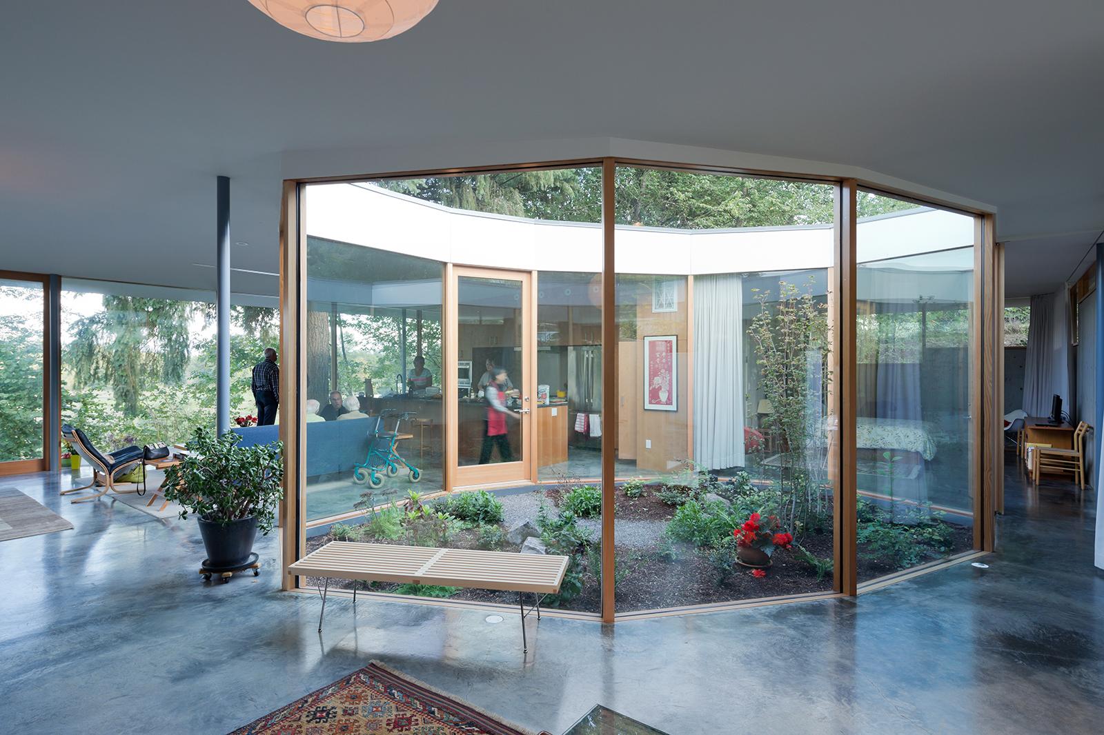 modern courtyard low-e glass wall insulation bench