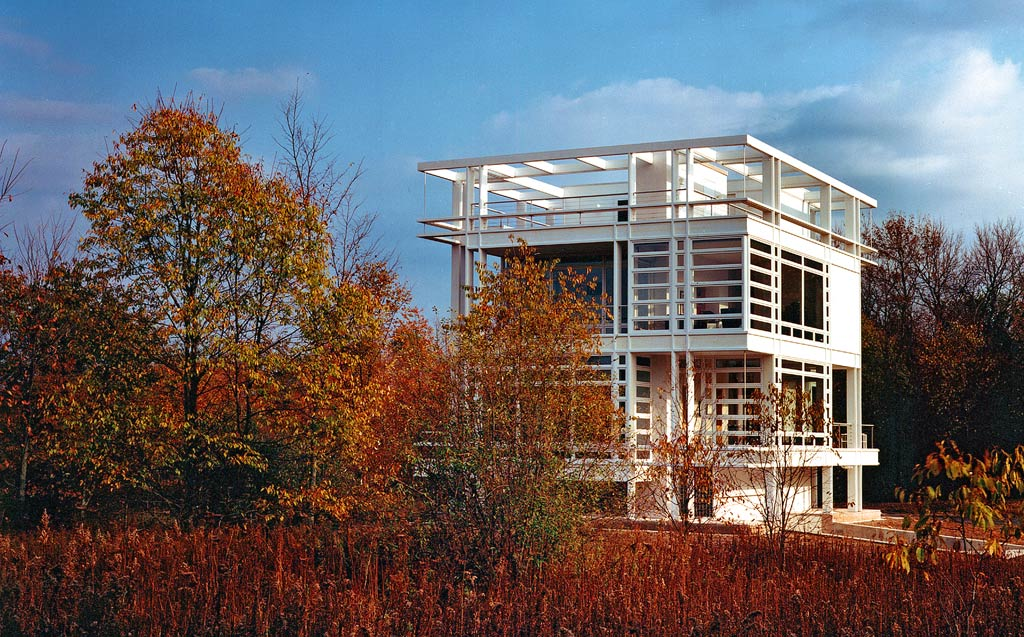 Mies van der Rohe-inspired house in Michigan