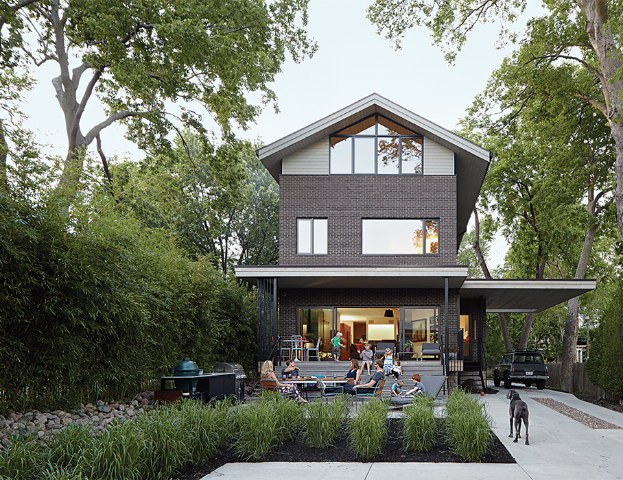 Kansas City family home with outdoor dining area