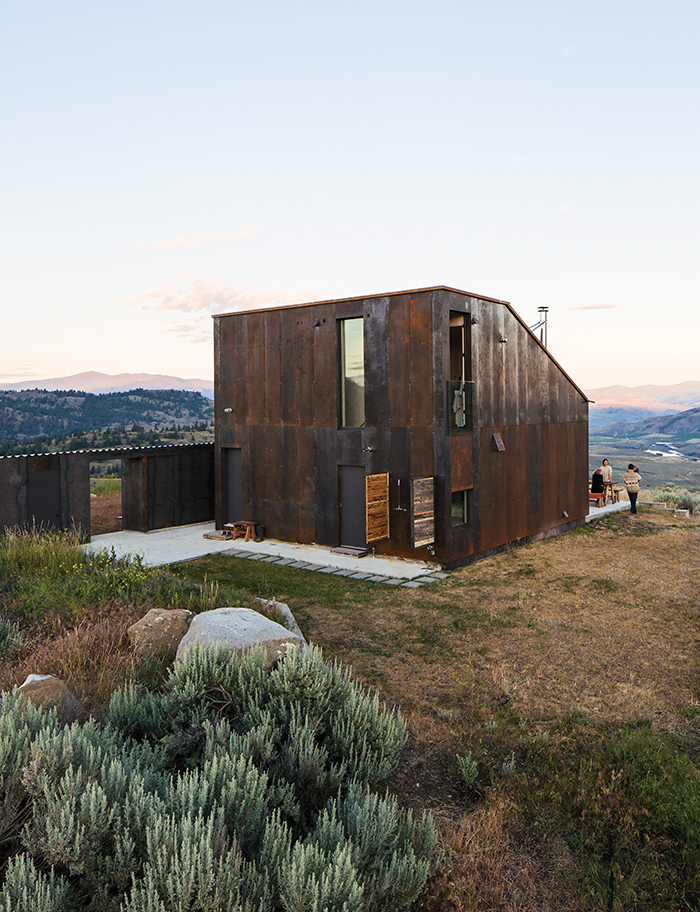 Modern prefab vacation home in Washington facade with steel cladding