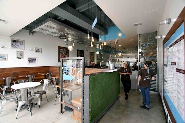"<b><a href=""http://mendocinofarms.com/"" target=""_blank"">MENDOCINO FARMS</a></b> Cafe/bar designed by <a href=""http://www.poondesign.com/"" target=""_blank"">Poon Design Inc.</a> <br /><br />  Fresh, clean lines and rustic details echo throughout this Marina"