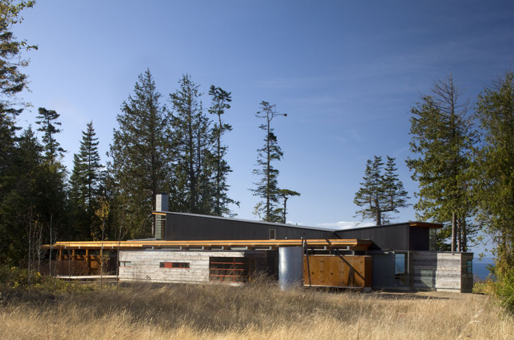 """The Port Townsend Residence in Port Townsend, Washington, designed by Bohlin Cywinski Jackson, was awarded an AIA 2010 One- and Two-Family Custom Housing prize for """"outstanding designs for custom and remodeled homes for specific client(s)."""""""