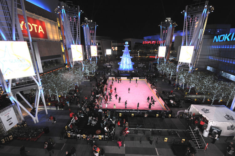 "Project: LA Live<p></p>Location: Los Angeles, California<p></p>Developer: AEG<p></p>2010 ULI Award for Excellence: The Americas nomination: ""The $2.5 billion LA Live is a 5-million-square-foot entertainment district in downtown Los Angeles, creating a 24-"