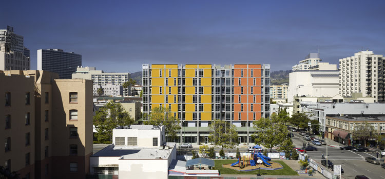 "Project: Madison at 14th Apartments<p></p>Location: Oakland, California<p></p>Developer: Affordable Housing Associates<p></p>2010 ULI Award for Excellence: The Americas nomination: ""The product of a complex and successful public-private financing scheme,"