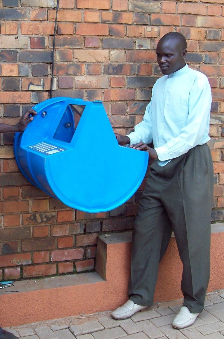 The Digital Drum in Kampala, Uganda is a solar-powered information access point made from two durable, low-cost oil drums welded together, rugged keyboards, solar panels and low-power tablets. Photo courtesy UNICEF Uganda/2010/Jean-Marc Lefébure.<br /><b