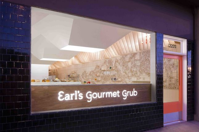 "<b><a href=""http://earlsgourmetgrub.com/"" target=""_blank"">EARL'S GOURMET GRUB</a></b> Cafe/bar designed by <a href=""http://www.freelandbuck.com/"" target=""_blank"">FreelandBuck</a> <br /><br />  This sandwich shop in West Los Angeles uses architectural comp"