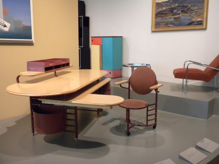 The display also included the Desk and Chair by Frank Lloyd Wright for Steelcase.