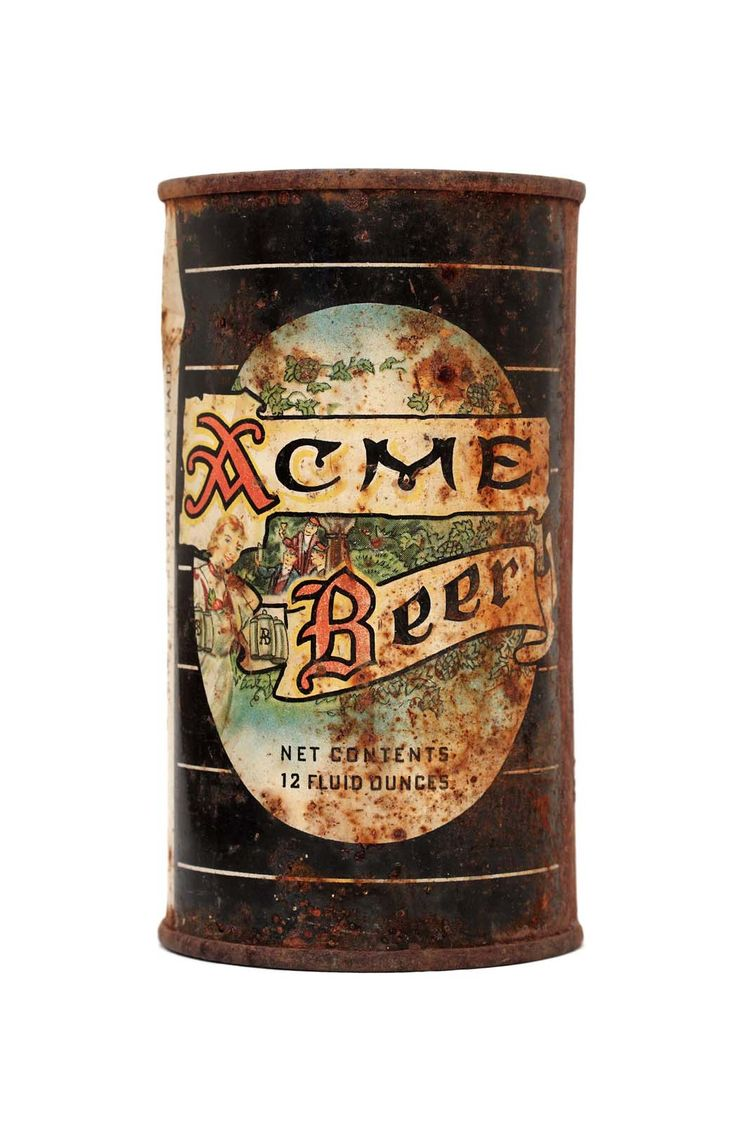 San Francisco's Acme Brewing Co. was one of the first California breweries to sell their beer in cans. This one dates to the second half of the 1950s.