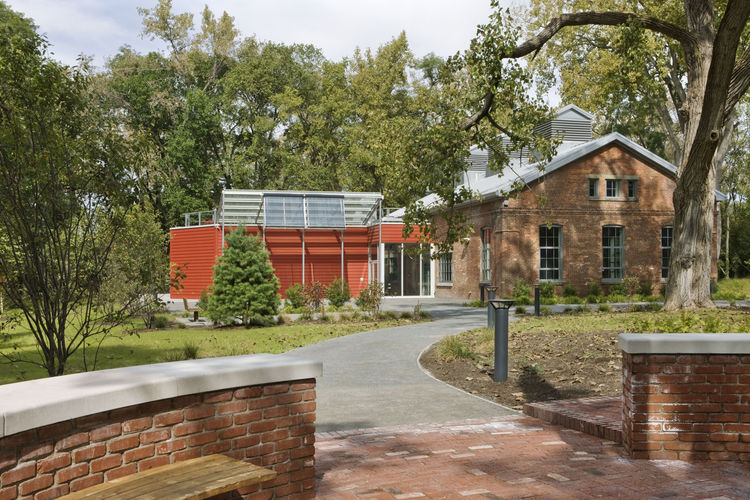 """The Center for Environmental Innovation and Education is the first facility on the Beacon Institute for Rivers and Estuaries Denning's Point campus.<br /><br /><br /><br />Photo by <a href=""""http://www.bdphotography.com"""">Bilyana Dimitrova</a>, Courtesy of"""