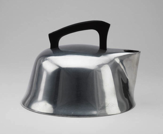 The Trace and Warner teakettle from 1939 is an American design.