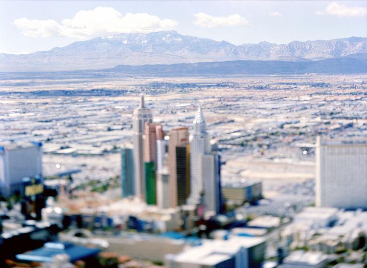<i>Site specific, Las Vegas</i> (2005) by Olivio Barbieri. Film. 35 mm on DVD. 12 minutes, 30 seconds. © Olivo Barbieri