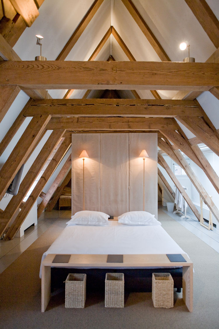Here's another attic suite: a peaceful and minimalist space.