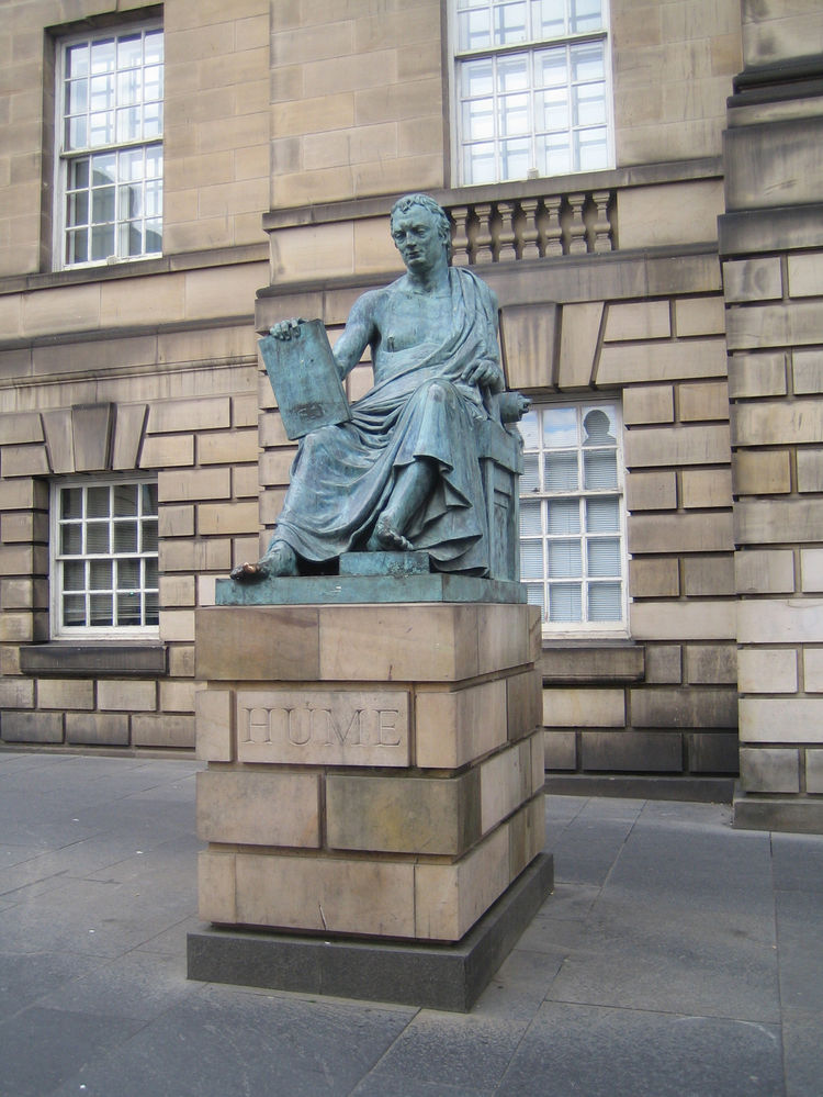 The city center abounds with statues of famous citizens of Scotland. Though I've not yet come across Stevenson, Doyle, or Rowling, I was taken with this rather grand representation of the philosopher David Hume. Overly grand for Hume's own views, if you a