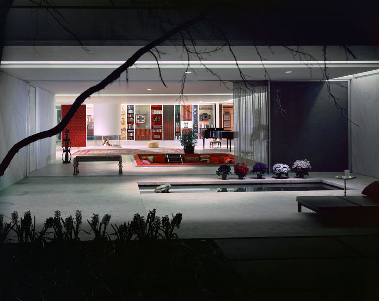 """Photo of the Miller House in Columbus, Indiana (1957) by Eero Saarinen, on display at the <a href=""""http://www.mcny.org"""">Museum of the City of New York</a> through January 31, 2010. Image by Ezra Stoller and courtesy of the Finnish Cultural Institute in Ne"""