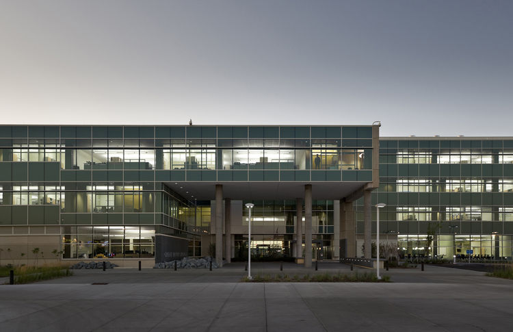 "Great River Energy Headquarters (exterior view) in Maple Grove, Minnesota, by <a href=""http://www.perkinswill.com"">Perkins + Will</a>. Photo by Lucie Marusin."