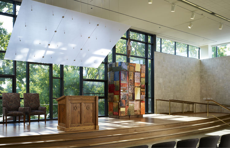 "Jewish Reconstructionist Congregation (interior view) in Evanston, Illinois, by <a href=""http://www.rbjarchitects.com"">Ross Barney Architects</a>. Photo by Steve Hall, Hedrich Blessing."