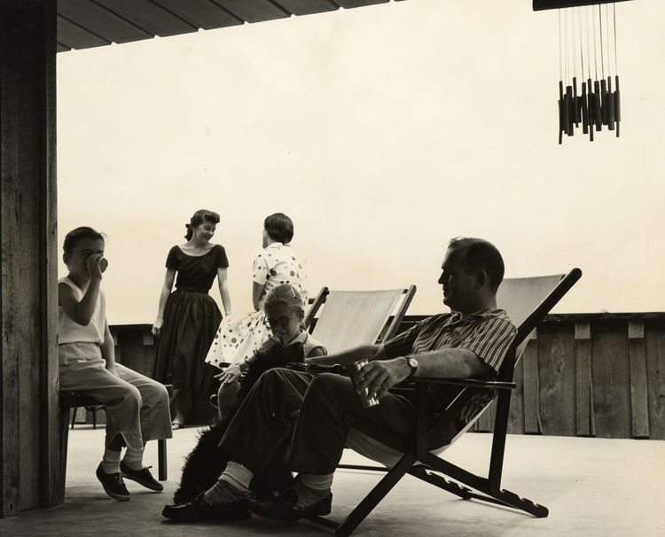 This photo shows Jones and his family lounging on the terrace of their home circa 1956. Photo courtesy of the Fay Jones Collection, University of Arkansas.