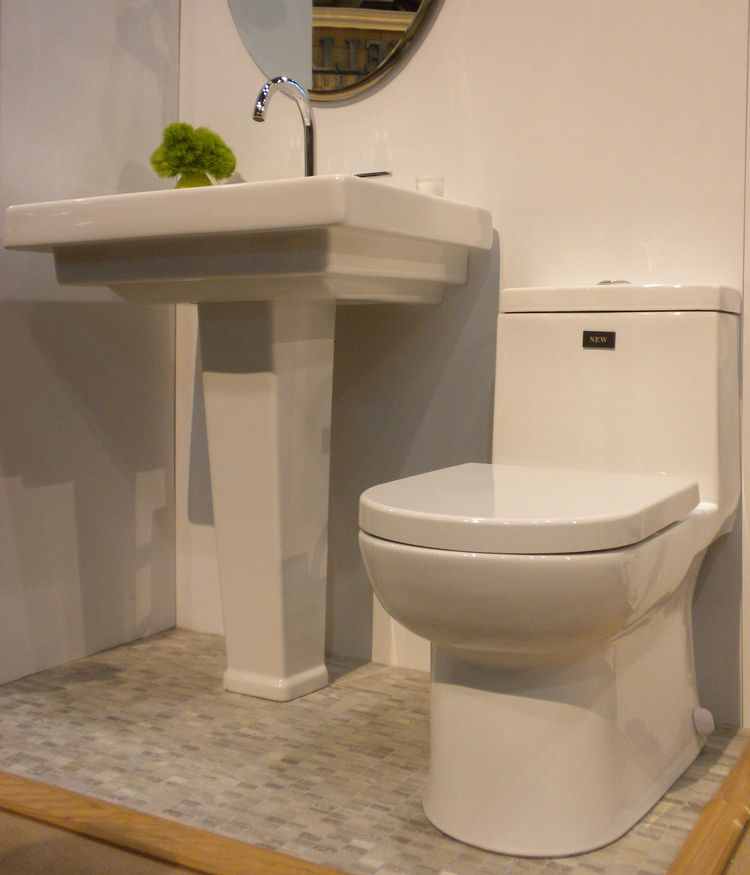 "Rohl also displayed a new dual-flush toilet, made in collaboration with French company <a href=""http://www.allia.fr/"">Allia</a>."