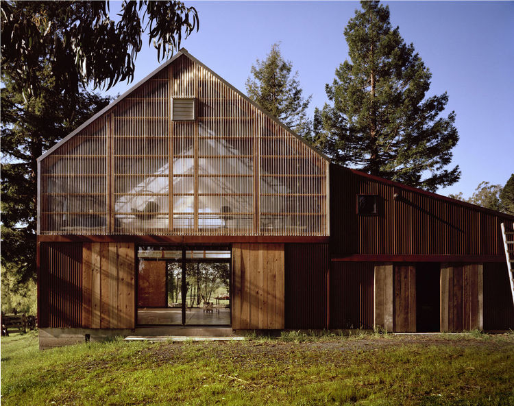 """A <a href=""""http://www.kennerlyarchitecture.com/heinser.html"""">photography studio and workshop in Marin County, California,</a> designed by <a href=""""http://www.kennerlyarchitecture.com"""">Kennerly Architecture and Planning</a>, winner of the <a href=""""http://w"""