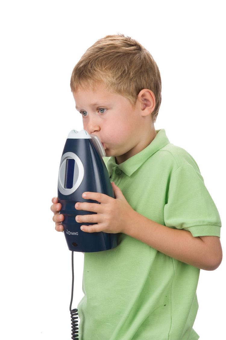 NioxMino asthma monitor. David Crafoord (Swedish, b. 1967), Martin Birath (Swedish, b. 1975), Daniel Höglund (Swedish, b. 1967), and Elisabeth Ramel-Wåhrberg (Swedish, b. 1964), Ergonomidesign. Manufactured by Aerocrine AB. Client: Aerocrine AB. Sweden, 2